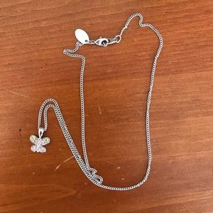 Jewelry - Silver butterfly necklace